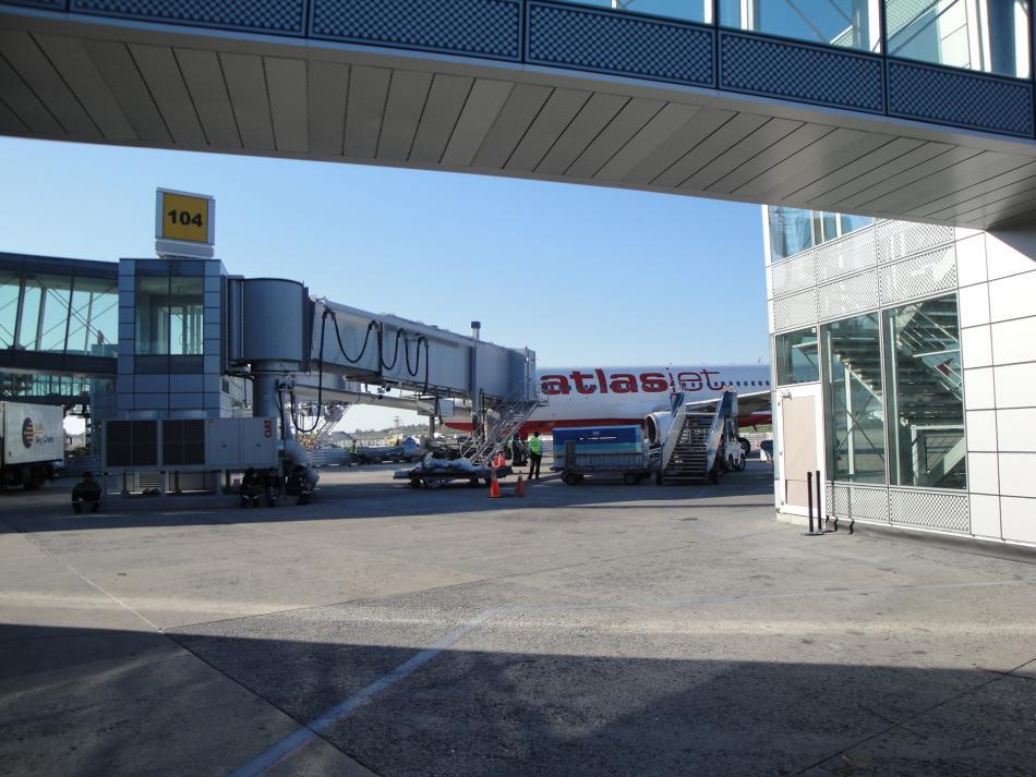 Atatürk Havalimanı İç Hatlar Yenileme